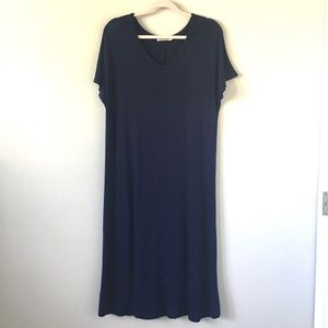Heart + Hips | Navy Tee Dress